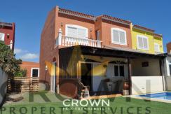 Semi detached 3 level villa in La Pelada ID:CP3011
